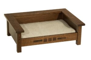 SUPERIOR WOODCRAFTS - San Marino Pet Lounge - Dimensions (in inches): 26 x 19 x 9, Liner included.